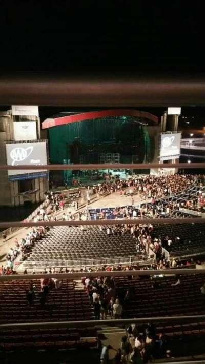 Jones Beach Theater, sección: 26, fila: A, asiento: 10