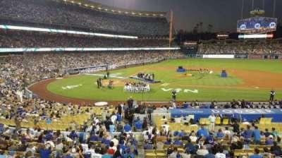 Dodger Stadium, sección: 128LG, fila: A, asiento: 5