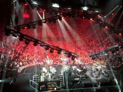 T-Mobile Arena, sección: 20, fila: W, asiento: 16