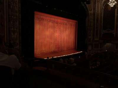 Cadillac Palace Theater, sección: Dress Circle Left, fila: DD, asiento: 5