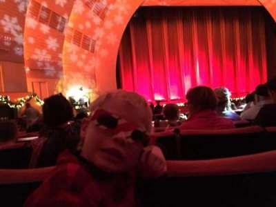 Radio City Music Hall, sección: Orchestra 6, fila: D, asiento: 606