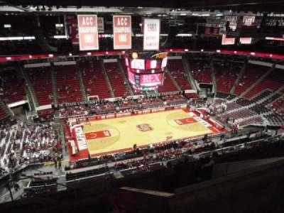 PNC Arena, sección: 325, fila: J, asiento: 24