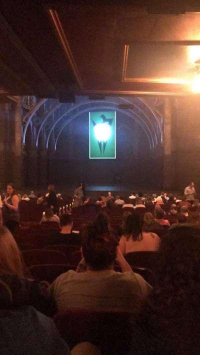 Lyric Theatre, sección: OrchR, fila: W, asiento: 8-10