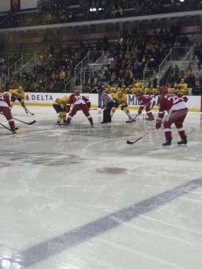 Yost Ice Arena, sección: 6, fila: 1, asiento: 1-4