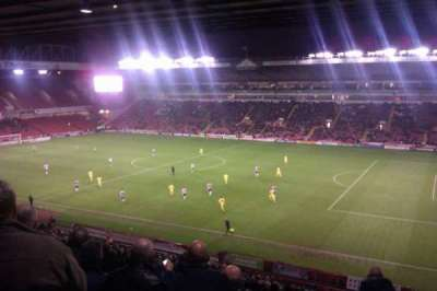 Bramall Lane, sección: South Stand Gangway A, fila: PP, asiento: 14