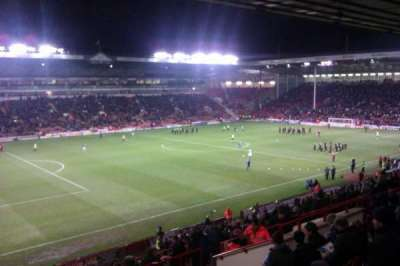 Bramall Lane, sección: South Stand Gangway H, fila: GG, asiento: 193