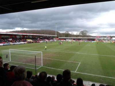 Broadhall Way, sección: Away Stand B, fila: K, asiento: 32