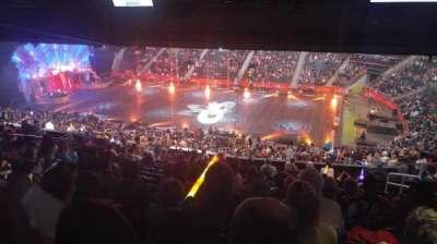 Philips Arena, sección: 210, fila: M, asiento: 5