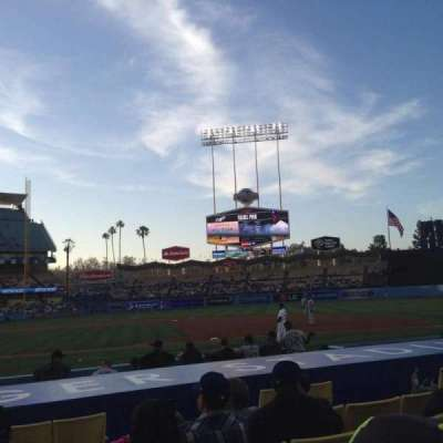 Dodger Stadium, sección: 20FD, fila: B, asiento: 1