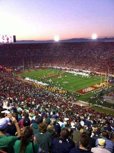 Los Angeles Memorial Coliseum, sección: 2H, fila: 93, asiento: 119