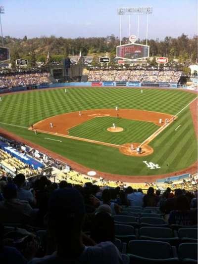 Dodger Stadium, sección: 5RS, fila: R, asiento: 12