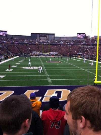 Husky Stadium, sección: 138, fila: 6, asiento: 3