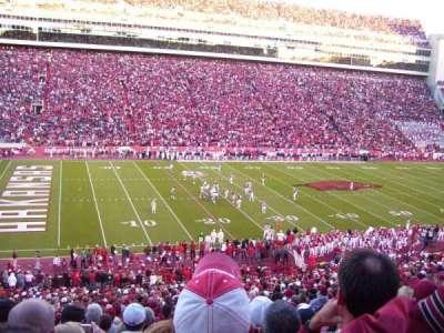 Razorback Stadium, sección: 106, fila: 44, asiento: 35