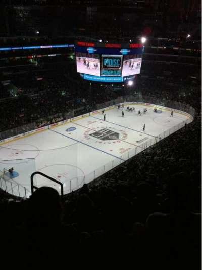 Staples Center, sección: 322, fila: 7, asiento: 11