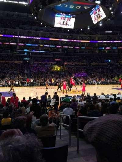 Staples Center, sección: 102, fila: 9, asiento: 2