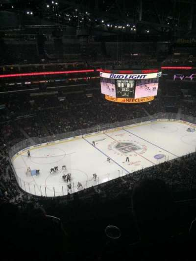 Staples Center, sección: 304, fila: 9, asiento: 11