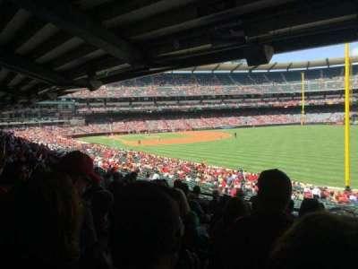 Angel Stadium, sección: T230, fila: J, asiento: 18