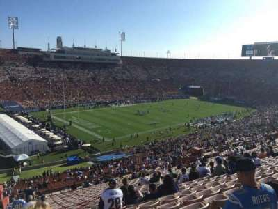 Los Angeles Memorial Coliseum, sección: 27H, fila: 71, asiento: 103
