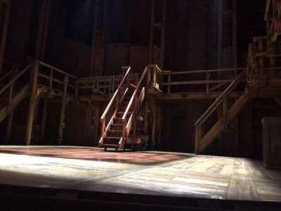 CIBC Theatre, sección: Orchestra L, fila: B, asiento: 2