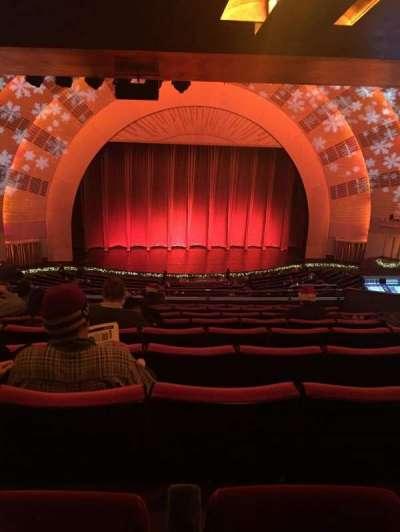 Radio City Music Hall, sección: 2nd Mezzanine 5, fila: J, asiento: 506-507