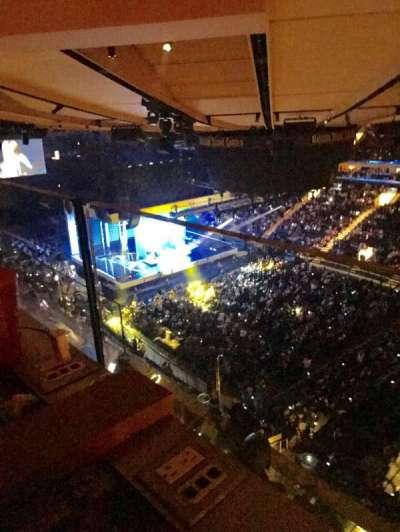 Madison Square Garden, sección: 328, fila: 2, asiento: 5