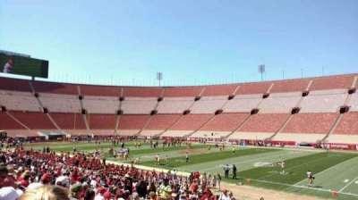 Los Angeles Memorial Coliseum, sección: 103b, fila: 25, asiento: 3