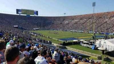 Los Angeles Memorial Coliseum, sección: 2H, fila: 33, asiento: 114
