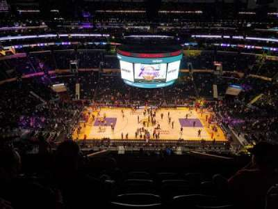 Staples Center, sección: 318, fila: 11, asiento: 20