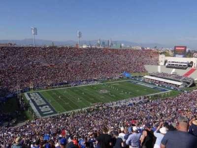 Los Angeles Memorial Coliseum, sección: 10L, fila: 93, asiento: 3