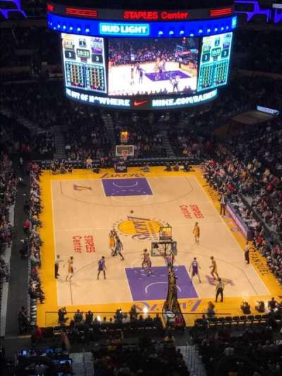Staples Center, sección: 310, fila: 7, asiento: 18