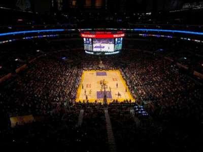 Staples Center, sección: 327, fila: 2, asiento: 2