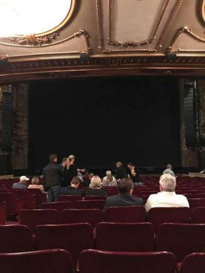 Palace Theatre (Broadway), sección: Orch Center, fila: T, asiento: 106