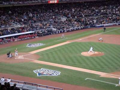 Yankee Stadium, sección: 214A, fila: 23, asiento: 14