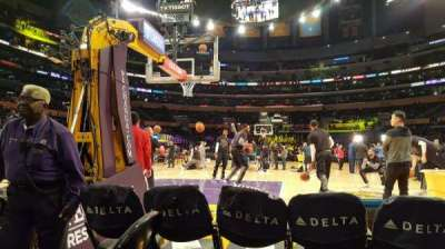 Staples Center, sección: 115, fila: 1, asiento: 4