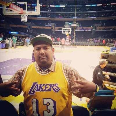 Staples Center, sección: 115, fila: AA, asiento: 4