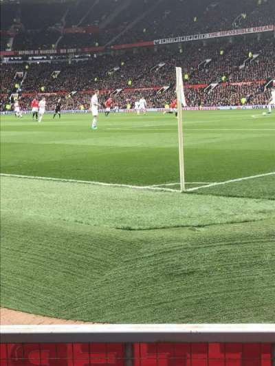 Old Trafford, sección: E132, fila: CC, asiento: 20
