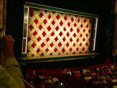 Cadillac Palace Theater, sección: Dress Circle L, fila: EE, asiento: 1