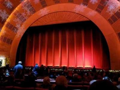 Radio City Music Hall, sección: Orchestra 3, fila: WW, asiento: 308-310