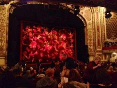 Cadillac Palace Theater, sección: Orchestra, fila: T, asiento: 15