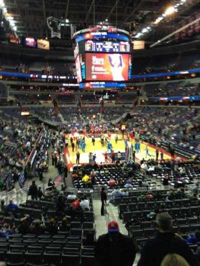 Capital One Arena, sección: 105, fila: R, asiento: 20