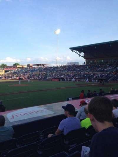 Durham Bulls Athletic Park, sección: 111, fila: H, asiento: 13