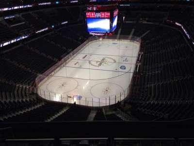 Capital One Arena, sección: 427, fila: J, asiento: 10