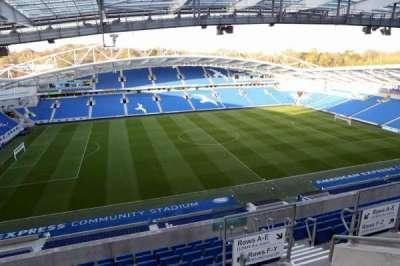 American Express Community Stadium, sección: W3G, fila: H