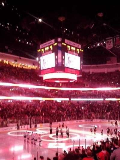 Honda Center, sección: 211, fila: R, asiento: 3