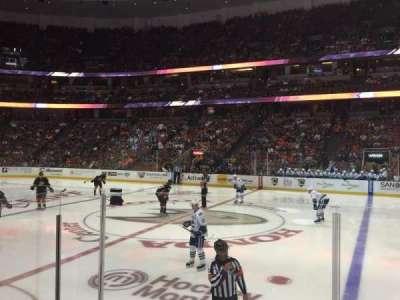 Honda Center, sección: 221, fila: E, asiento: 9