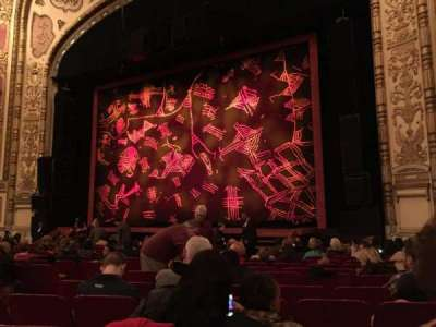 Cadillac Palace Theater, sección: Orchestra, fila: N, asiento: 14