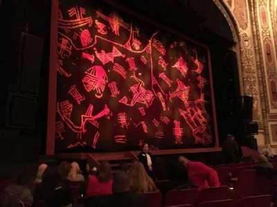 Cadillac Palace Theater, sección: Orchestra Left, fila: H, asiento: 15