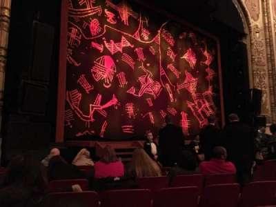 Cadillac Palace Theater, sección: Orchestra L, fila: H, asiento: 15