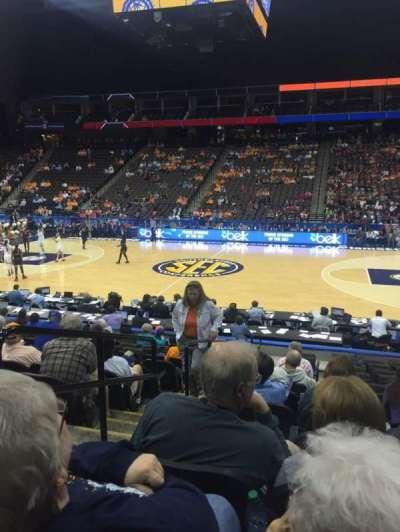 Jacksonville Veterans Memorial Arena, sección: 102, fila: M, asiento: 17
