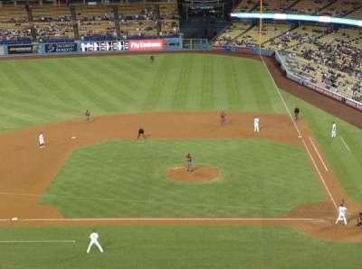 Dodger Stadium, sección: 11RS, fila: G, asiento: 8